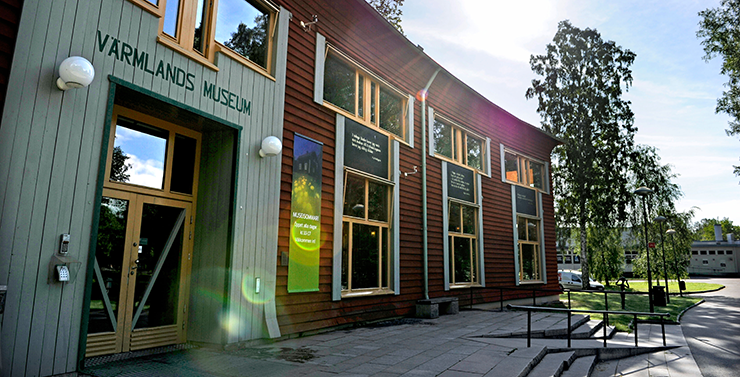 Värmland County Museum with its timber façade out on Sandgrundsudden.