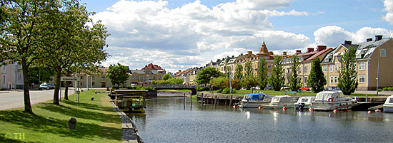 View of the guest harbour and Åmål's older buildings.