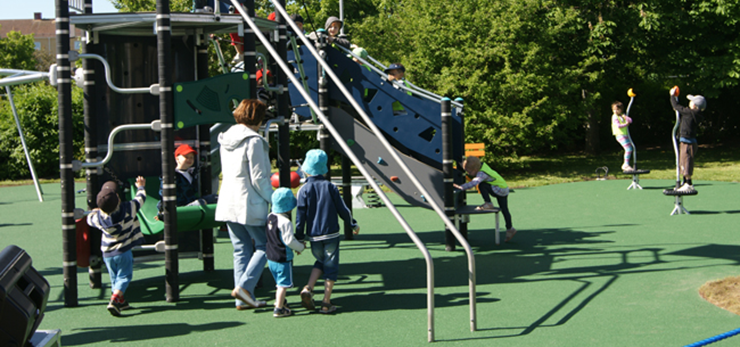 Playground with children and adults in central Uddevalla.